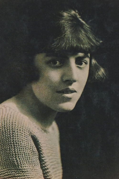 Dodie Smith in 1921, aged 25.