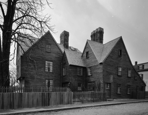 House_of_the_Seven_Gables_(2)cond